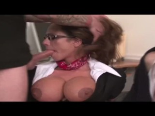 Ariella Ferrera Svázané a ústy