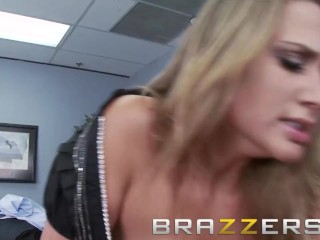 Brazzers - Alanah Rae & Johnny Sins - Средният учител чука бившия си ученик