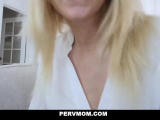 Pervmom - Madrastra caliente acaricia y chupa mi polla