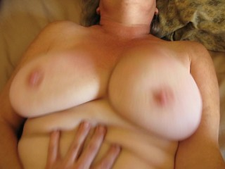 Swinging Boobs And Butterfly Cunt Lips - Hot Silver Stepfather - Big Cunt