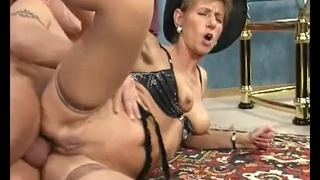 Old Sweetie Fucking + Sucking an Old Penis Getting Σπέρμα