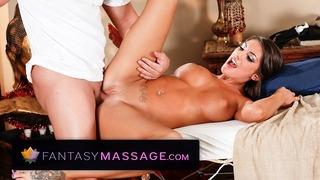 TrickySpa August Ames Trucchi con il massaggiatore: MEMBER FANTASY