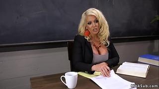 Lesbiennes étudiants Butt Fisting Mère Enseignant