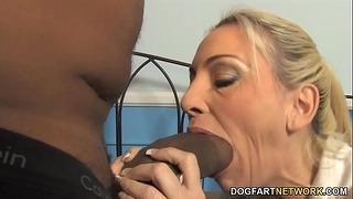 Curvy Mother Cala Craves viene picchiata da A Bbw Black Dick