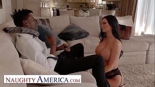 Wicked America - Jasmine Jae viene scopata dal capo del marito