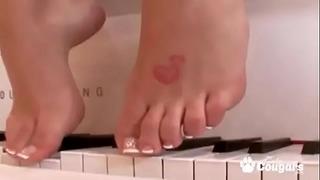 Το Brooke Banner έχει το σέξι πόδι της παγωμένο και καλυμμένο με Steamy Jizz