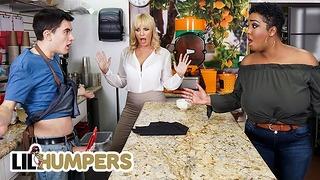 Lil Humpers - Curvas Milfs Dana Dearmond Layton Benton compartiendo una gran polla en un trío ffm